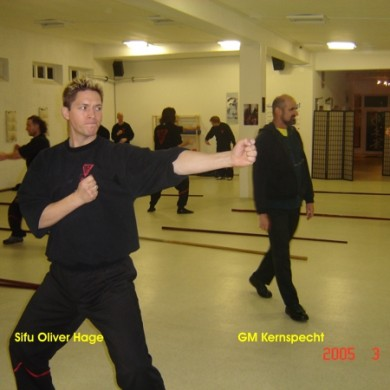 Sifu O. Hage beim Training
